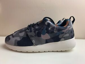 sale retailer 62828 30a56 Image is loading Nike-Roshe-One-Print-Womens-Trainers-Camo-Black-