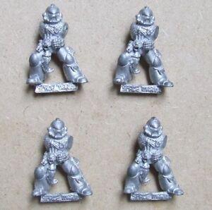 a Forgeworld Légion tartare terminator special weapon set engergiefaust à gauche