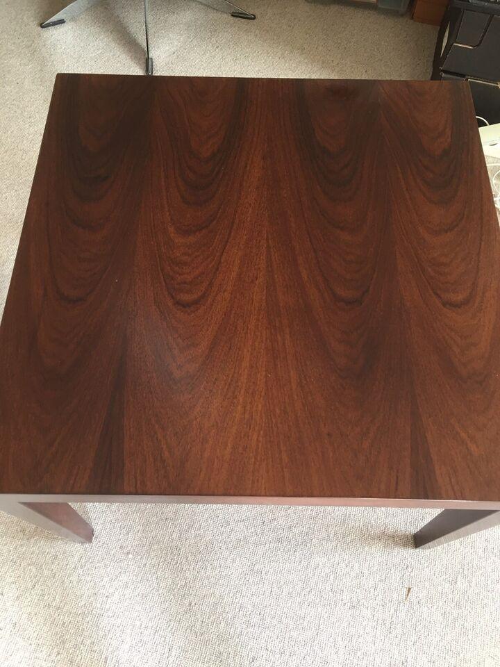 Hjørnebord, mahogni, b: 67 l: 67 h: 50