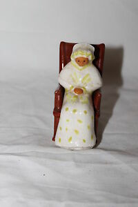 Vintage Ceramic Old Lady In Rocking Chair Salt And Pepper