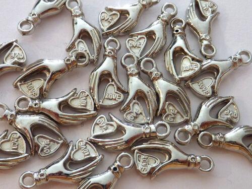 20 Anhänger HAND auf HERZ Love Charm Silber Kunststoff Acryl 1342