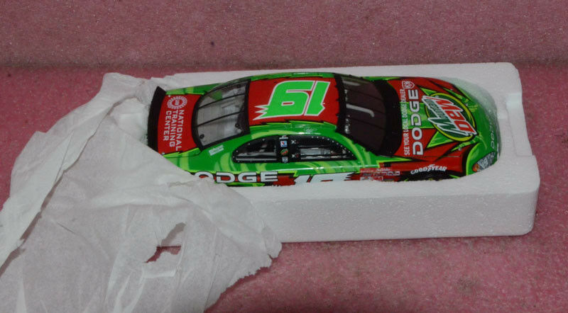 Action 2002 Jeremy Mayfield Mountain Dew Dew Dew Dodge 1 24 Scale. 54d7d6