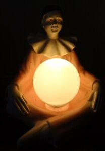 jolie-Lampe-vintage-1960-70-au-pierrot-tenant-la-lune