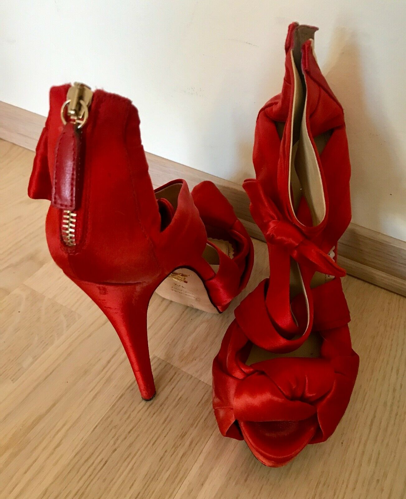 Charlotte Olympia  Andrea    Red Satin shoes  sandals, size 37,5 it, 6,5 7 US 3a82ee