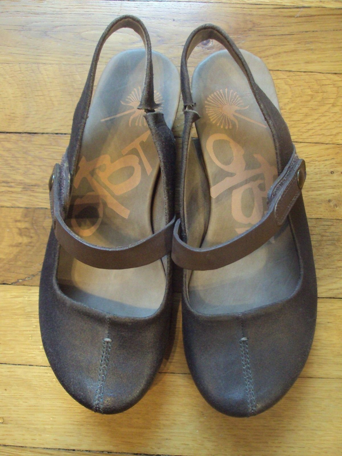 OTBT SADDLE GOLDEN BROWN SIZE 7 1/2 MARY JANES CASUAL STRAP DRESS COMFORT Schuhe