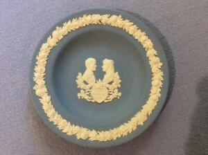 Wedgwood-blue-jasperware-4-1-2-034-Royal-Wedding-1986-Sarah-and-Prince-Andrew