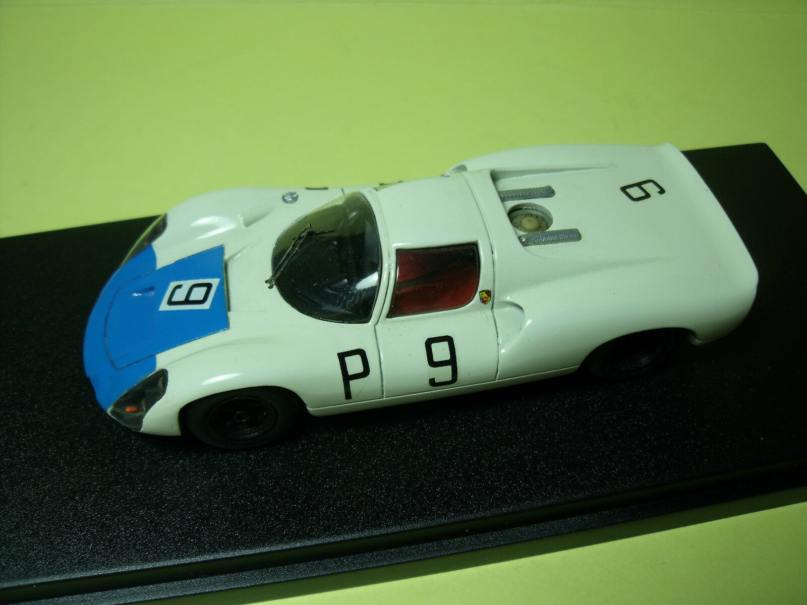 PORSCHE  910 . 8 CYL  COUPE  NURBURGRING  1967   VROOM  UNPAINTED  KIT  1/43