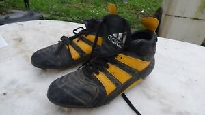 sports shoes 6eb20 85e67 Image is loading chaussures-crampons-vintage-Adidas-rugby-cleats-cuir