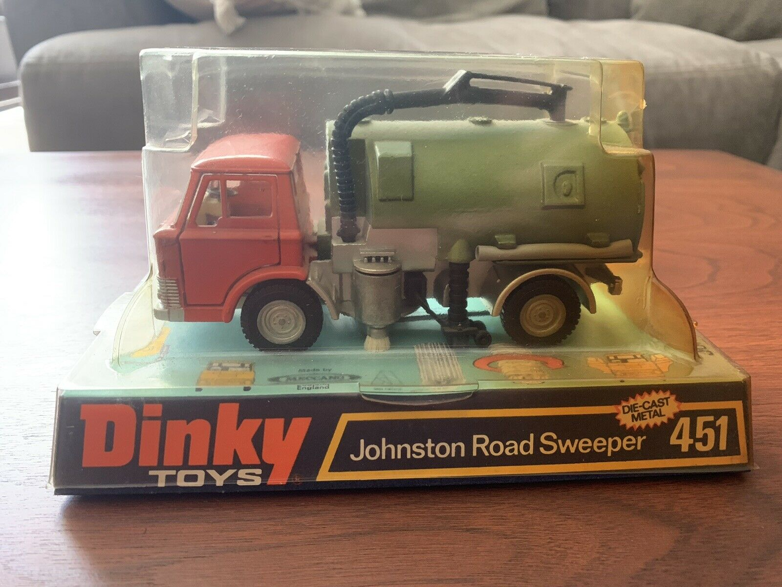 Antiguo juguete Dink Johnston barrojoor de caminos fundido 451 puntas de metal