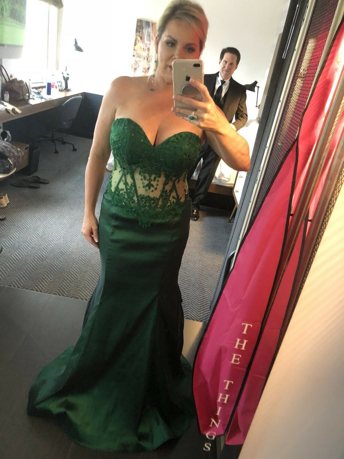 Emerald Green Formal Dress Runs Large  I normally wear an 8 and this is a 14.