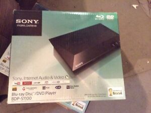 SONY-BDP-S1100-Blu-ray-DVD-Player-1080p-conversion-USB-2-region-Lecture-DVD