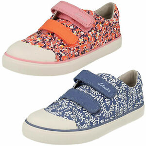 4116c2e8793 Girls Clarks Brill Ice Inf Pink Or Blue Canvas Doodles Pumps