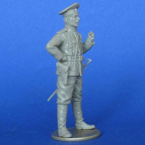 35128 MasterClub 1//35 Russian Army Officer in WWI Resin Figure