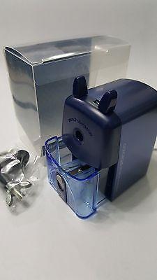 Deli Manual pencil sharpener # 0635 Blue body