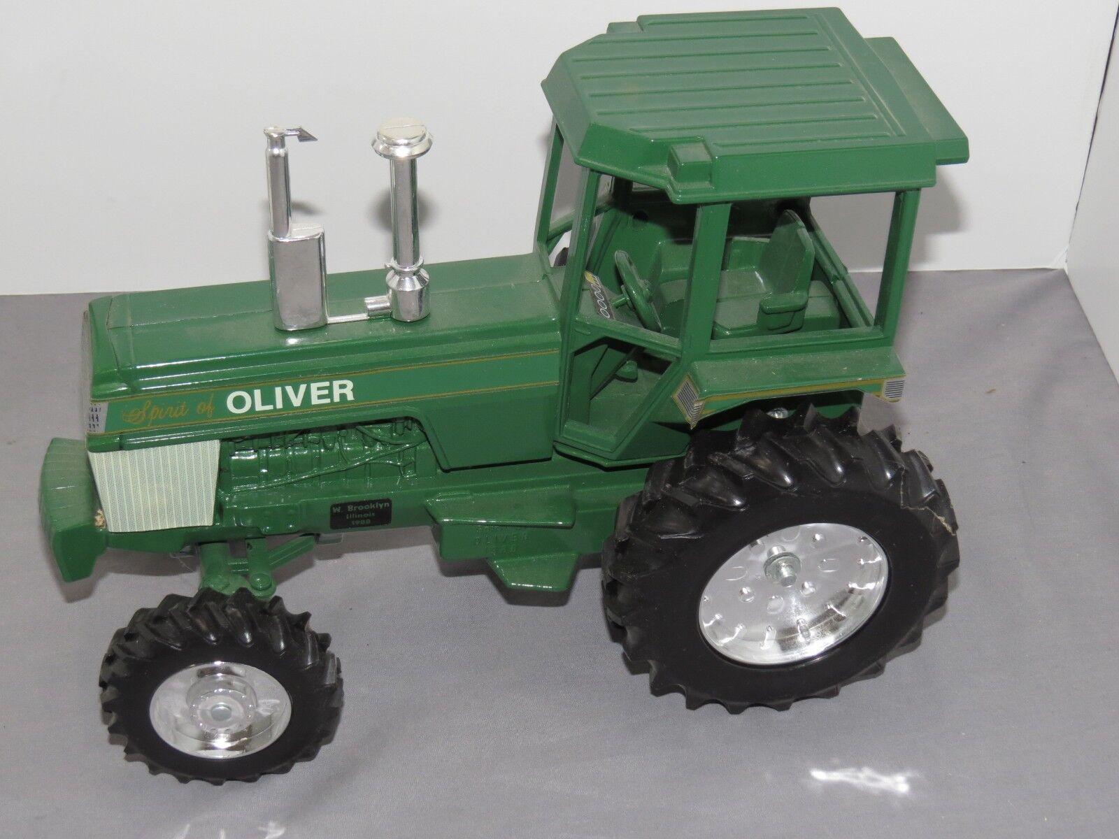 Vintage OLIVER Spirit of mfwd jouet tracteur Blanc 1 16 W. Brooklyn Illinois 1988