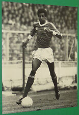 PHOTO PRESSE FOOTBALL 1978 VIV ANDERSON NOTTINGHAM FORREST CHAMPION ENGLAND