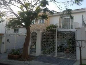 Casa En Venta Plaza del Parque Privada 3 Recamaras Jacuzzi 3 Baños Cto Servicio Crédito .T1
