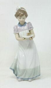 Lladro-034-Happy-Birthday-034-Girl-With-Cake-Glossy-Porcelain-Figurine-5429