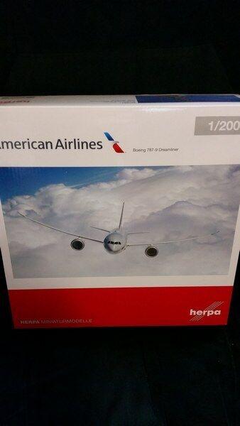 Herpa 557887 - 1 200 Boeing 787-9 Dreamliner - American Airlines - Neu