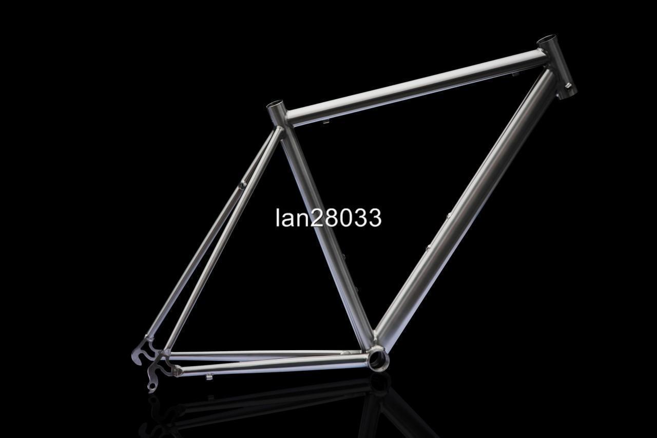 J&L Titanium road bike frameTi50601350gDouble Butted