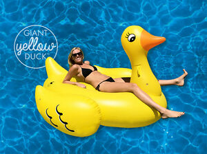 Giant-Yellow-Duck-Pool-Float-190cm-of-pure-Summer-fun-FREE-shipping-from-Sydney