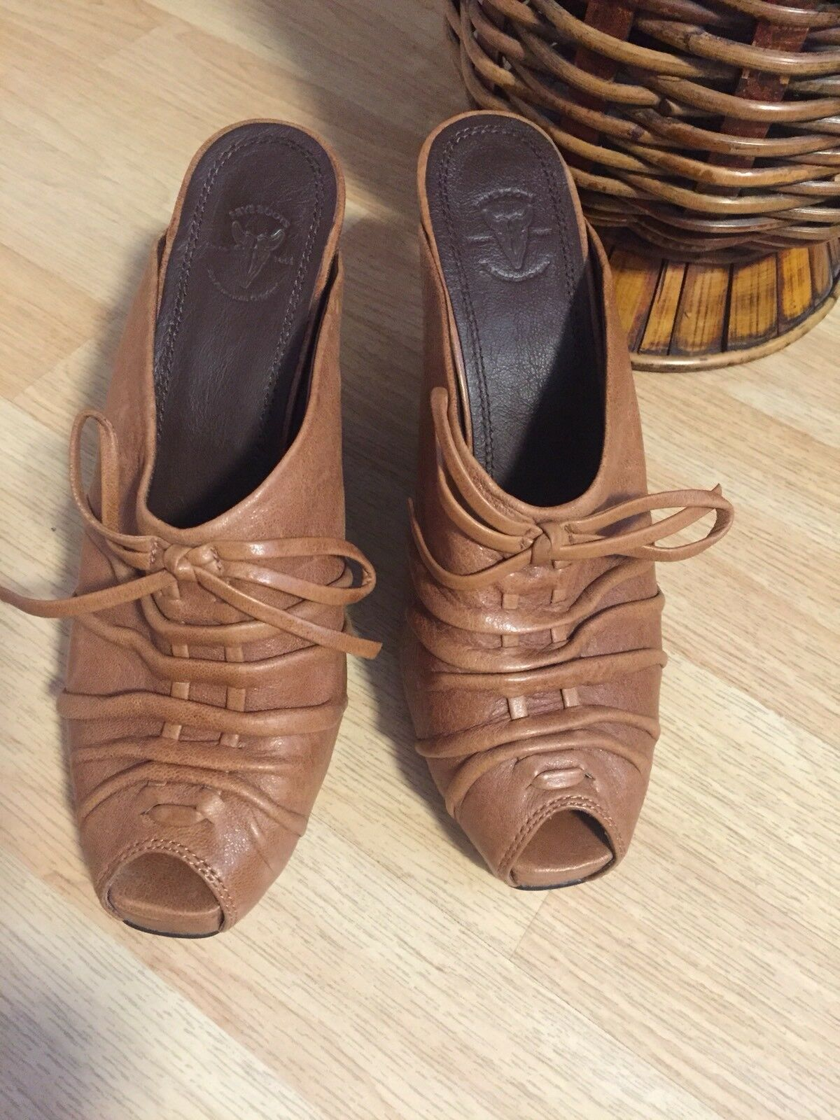 Frye Gwen Mule Womans Size 10 M Brown Leather Open Toe Tie Slip On Wedges