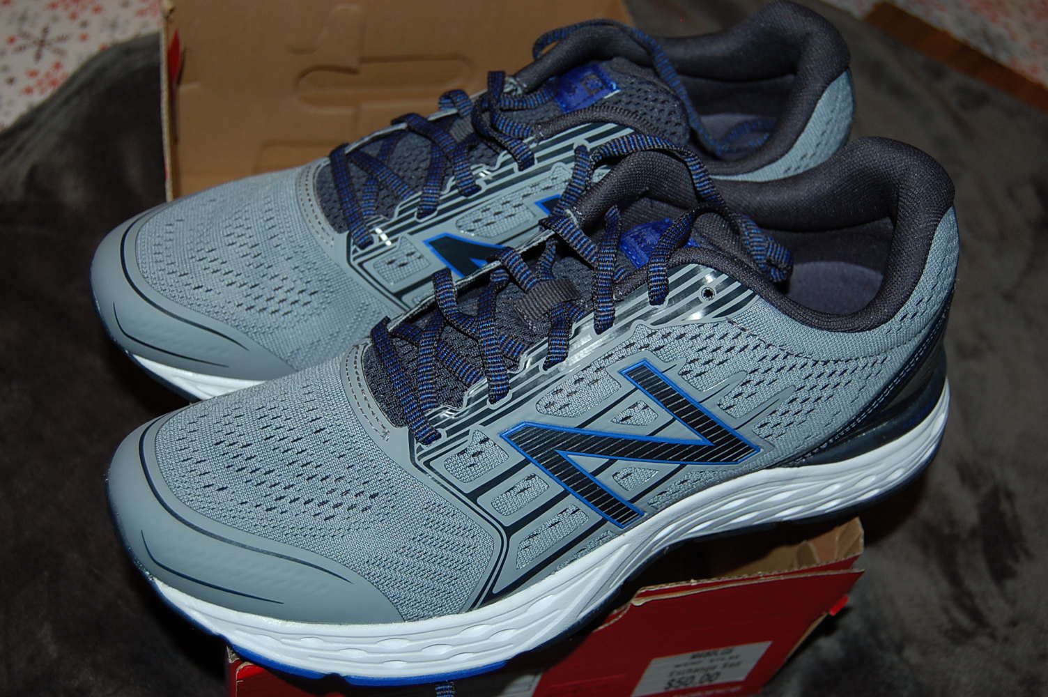New Balance Men's Running shoes 10.5 Medium NB M680LG5 New with Tags
