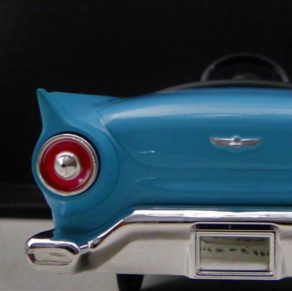 Ford Thunderbird 1 T PÁJARO un coche vintage 12 1955 18 1 24 1957 T concepto Modelo