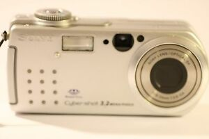 Sony-Cyber-shot-DSC-P5-3-2MP-Camara-Digital-Plata