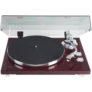 Teac-TN-400S-Belt-driven-Turntable-with-S-Shaped-Tonearm-Gloss-Cherry