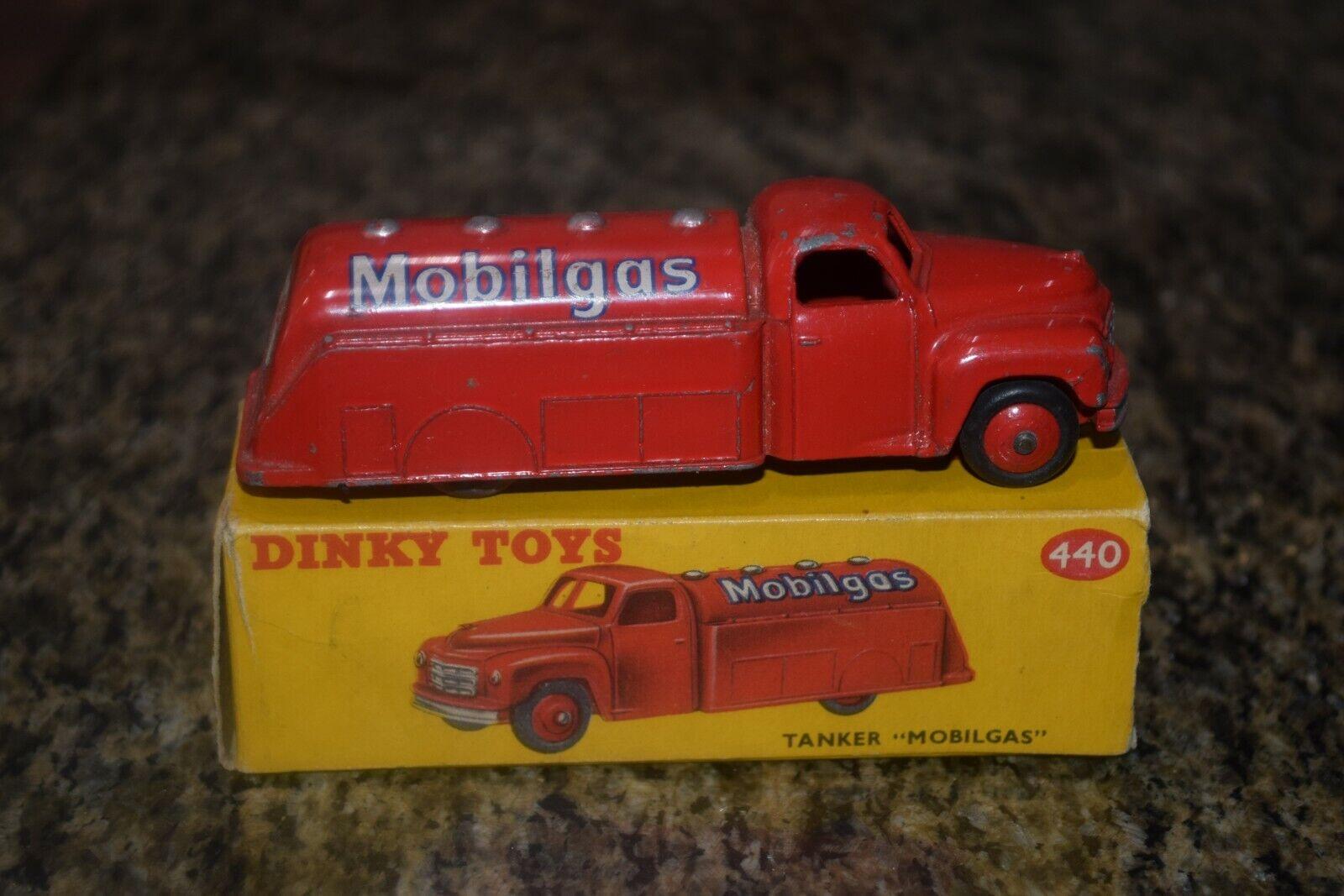 Dinky 440 petrolero Mobilgas Excelente Vintage En Caja