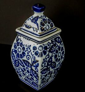 "Cobalt Blue & White Covered Urn w/ 22K Gold Accent Paint 6.25"" Temple Jar & Lid"