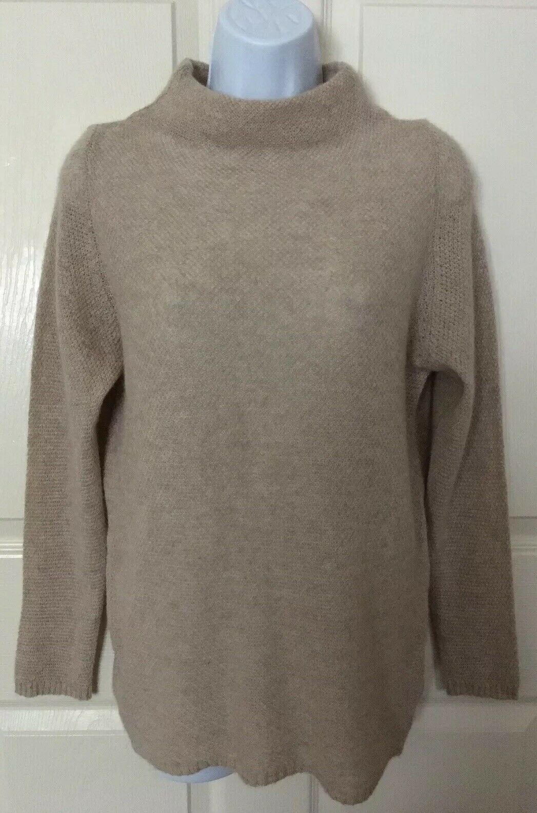 New Benedetta B 100% Cashmere Sweater Sise Large  Made in  Beige color