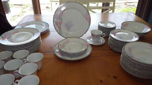 Mikasa Dinnerware Set Sharon Service 11 + Hostess Pieces 63pcs Serving Platter