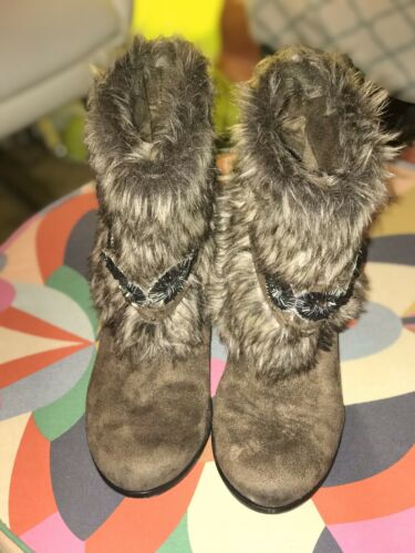 Naughty Monkey Fur Boots Size 7 EUC