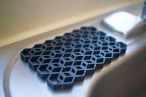 3D printed Hexagonal Soap//Sponge coaster dish solar powered