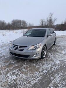 2012 Hyundai Genesis Premium package
