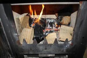 Neuheit-Kaminofen-Holzofen-Ofen-Kamin-Holz-Holzanzuender-Anzuender-ANSCHAUEN