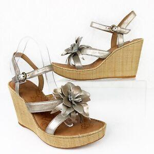 BORN W22200 MISS Metallic Panna Cotta Leather Raffia Wedge Flower Sandal Size 11