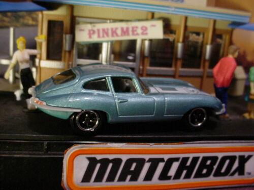 2018 Kaffee Cruisers Saphir Schmuckstück 1961 Jaguar E-Type Coupe Blau 65th