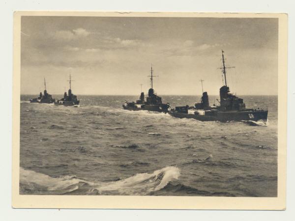 Foto-AK / Torpedoboote in voller Fahrt