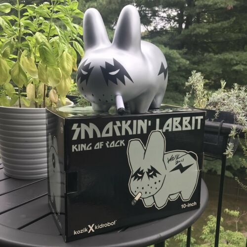 "Kidrobot 10"" King Of Rock Smorkin' Labbit SDCC 2011 LE 100 Signed Twice By Kozik"