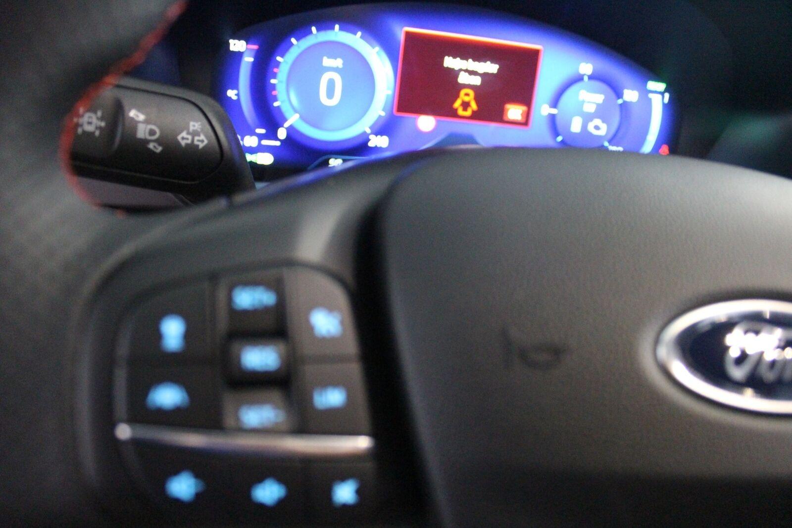 Ford Kuga 2,5 PHEV ST-Line X CVT