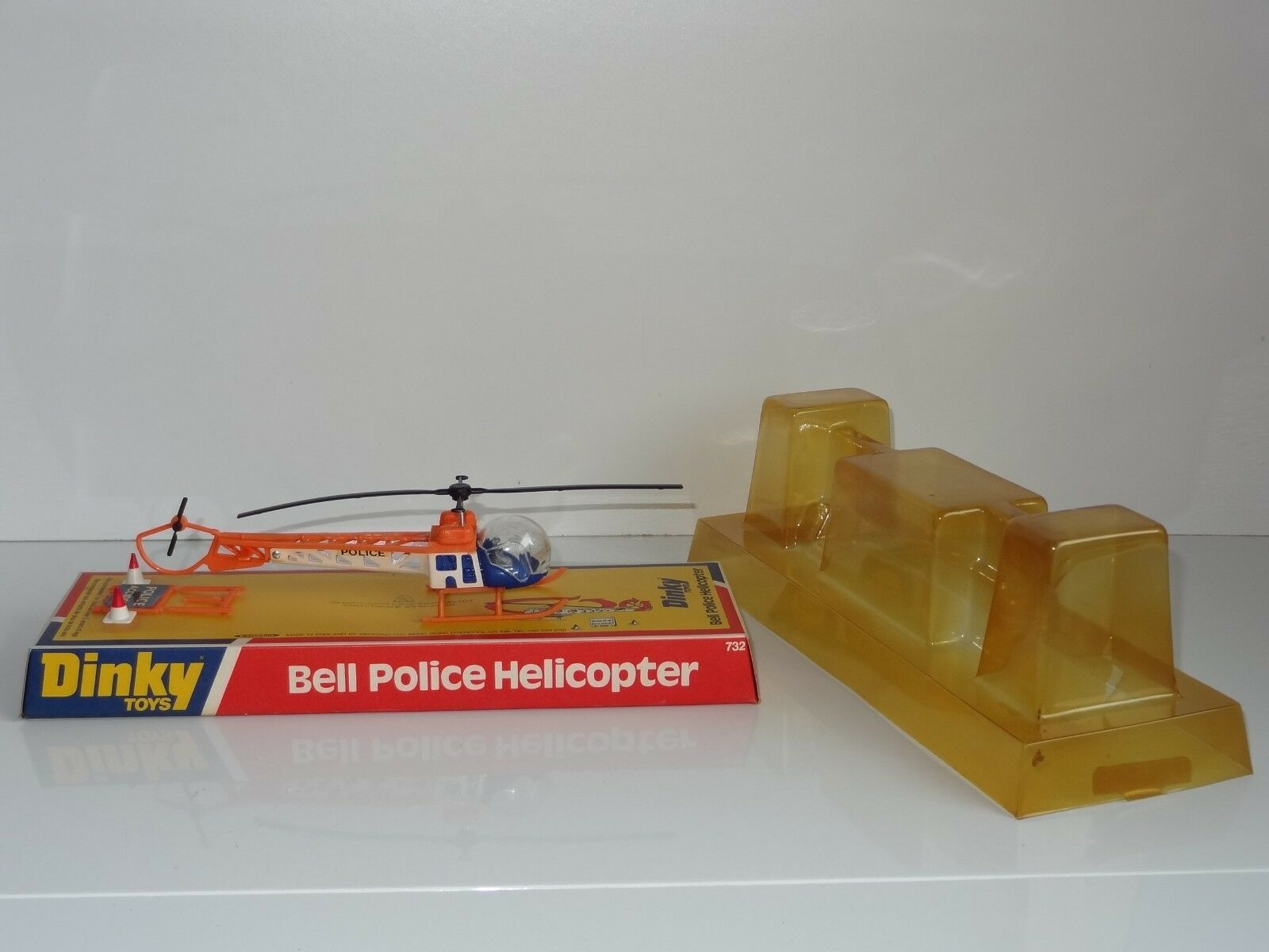 (W) dinky BELL POLICE HELICOPTER - 732