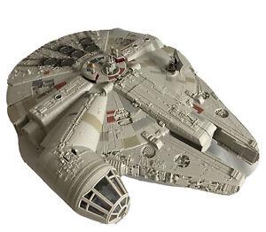 STAR-WARS-The-Force-Awakens-Battle-Action-Millennium-Falcon-C-001C-83678-RARE