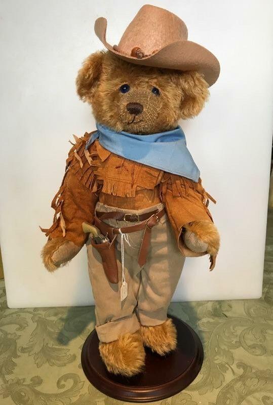 John Wayne Artist Mohair Bear new w tags