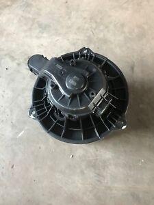 HYUNDAI-i30-CW-ANOS-12-Soplador-Del-Motor-de-ventilador-f00s3b2474