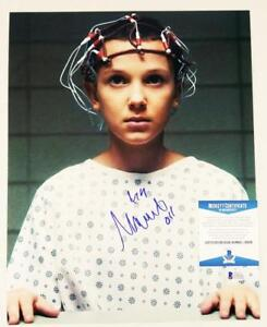 MILLIE-BOBBY-BROWN-034-11-034-SIGNED-11X14-METALLIC-PHOTO-STRANGER-THINGS-BAS-COA-936