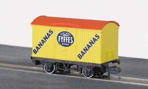 Peco-NR-P140-N-Gauge-Refrigerated-Wagon-Fyffes