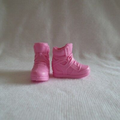 NEW Barbie Teen Sister Skipper Babysitter Doll Neon Yellow Sneaker Shoes Clothes